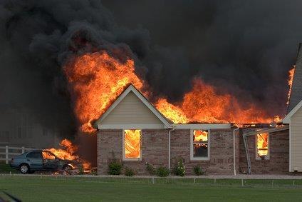 שיפוץ דירה שנשרפה-חברת שיקום נזקי אש-הדקל שיפוצים