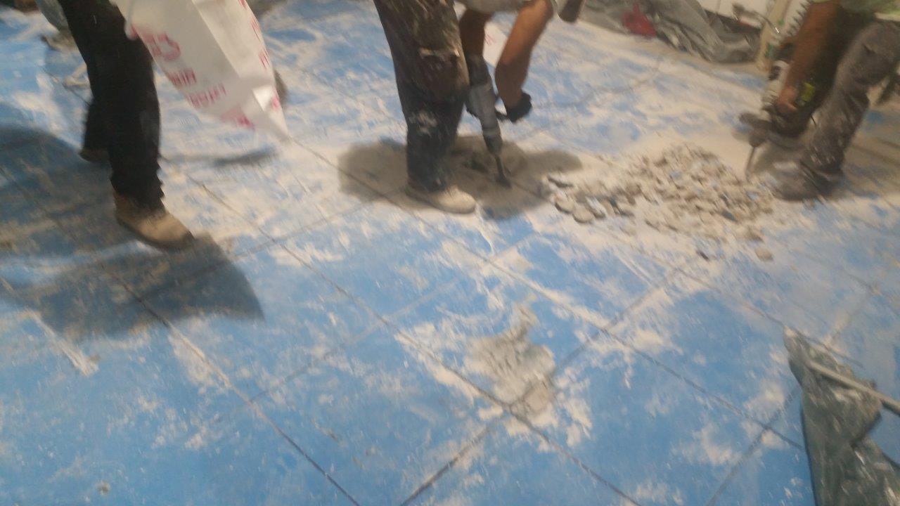 הריסת יציקת בטון