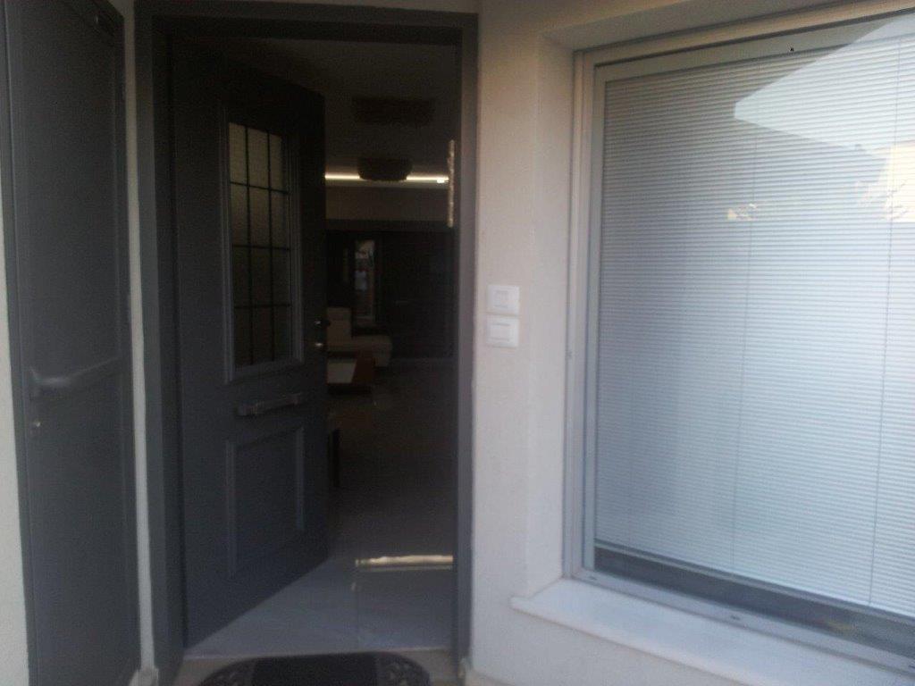שיפוץ דירה במרכז כניסה לבית