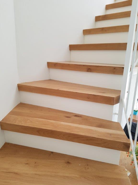 שיפוץ דירה בשוהם מדרגות