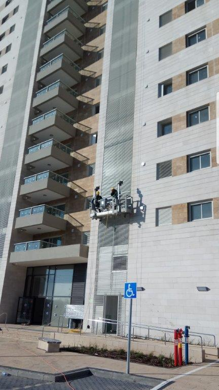 איטום בסנפלינג - איטום קירות מחוץ לבניין
